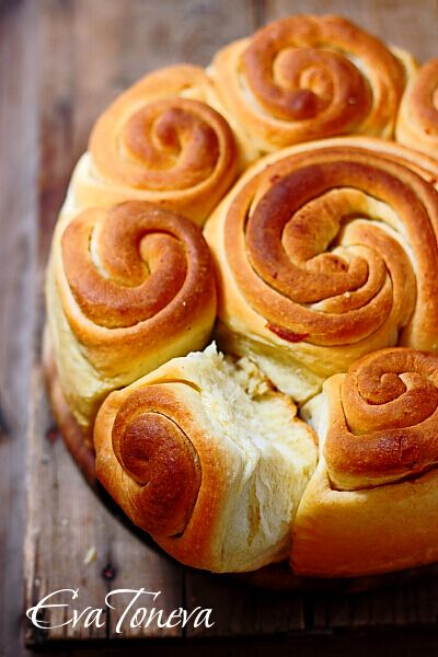Festive spiral bread Text in Hungarian, but Google Translate option ...