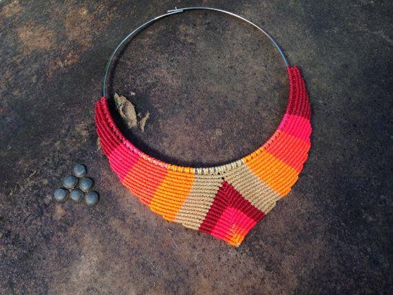 Macrame collar de diseño en forma de V con por RitaPratesCaetano