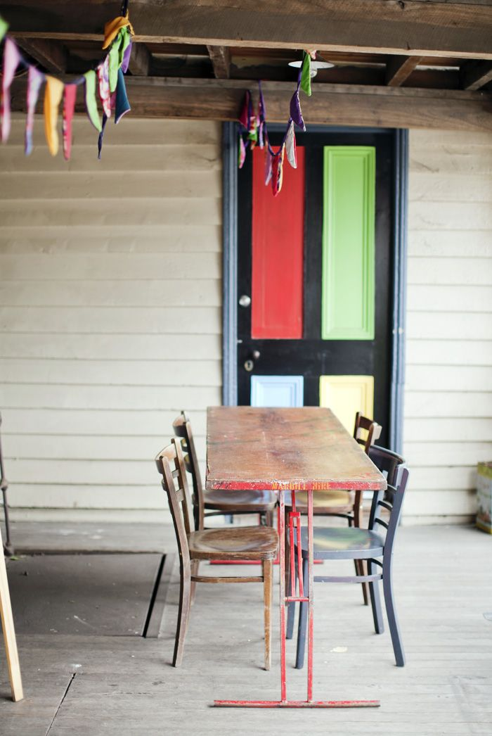 looovely door and table!