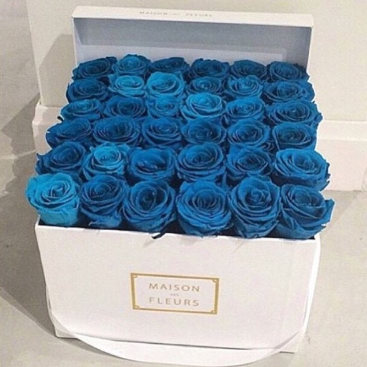 Blue roses box. #decor #flowers