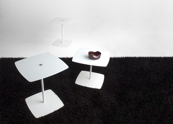 side table _ tonelli _ anemone