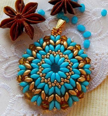 Turqoise beaded pendant (with free beading pattern) // Türkizkék gyöngy medál (gyöngyfűzés mintával) // Mindy - craft tutorial collection