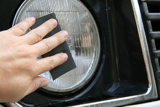 How to Clear Foggy Headlight Covers: 9 steps (with pictures)