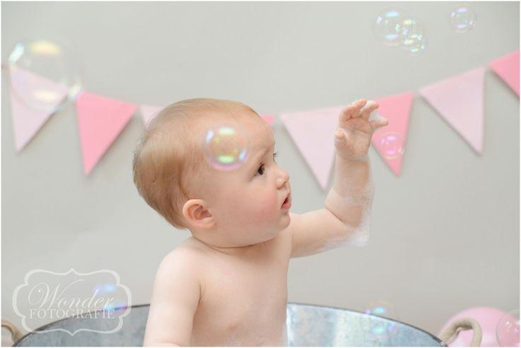 Cake Smash Fotoshoot - Cake Smash Fotografie - Babyfotografie - Peuterfotografie - verjaardag fotoshoot - Fotograaf Almere - http://www.wonder-fotografie.nl