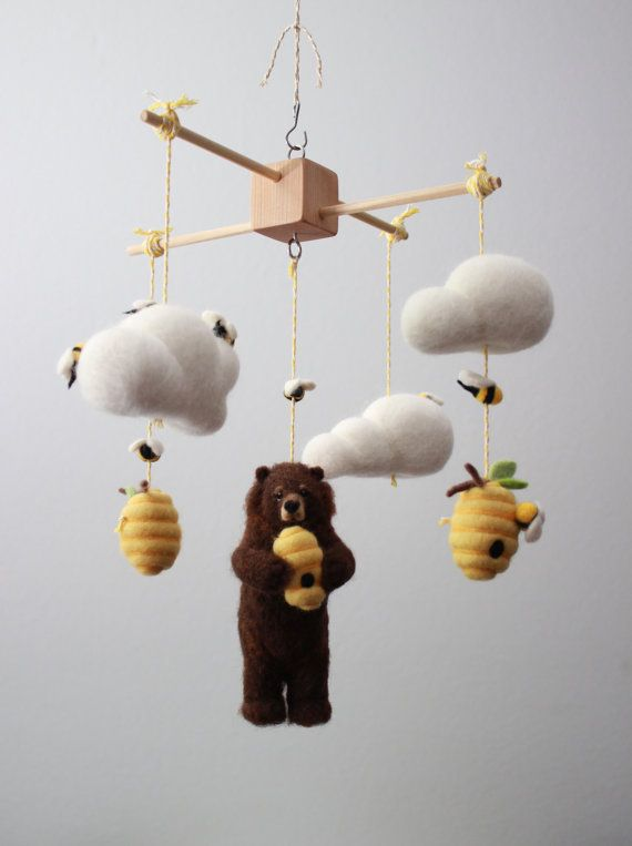 Needle Felted Bear Honeybee and Beehive Nursery por MerleyBird