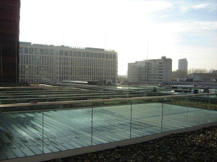 Glazen balustrade buiten