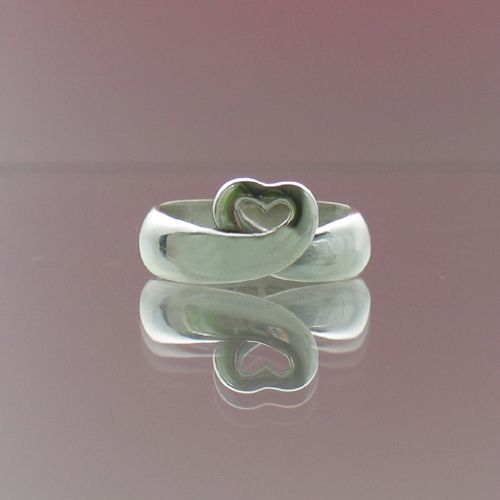 """Taru Tonder, """"Love Grows"""" ring, in  silver, yellow and white gold.   TaruTonder.com #Finland #Valentine #heart #love"""