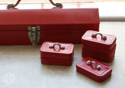 Turn empty mint tins into tiny toolboxes. #Upcycling #Giving #SummerofDoing