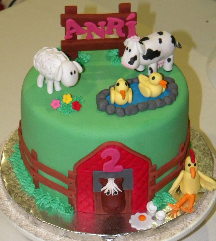 Farmyard theme cake