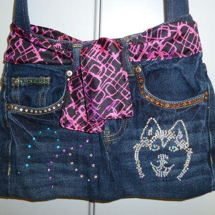 Tasche aus alter Jeans mit Strass Hundekopf