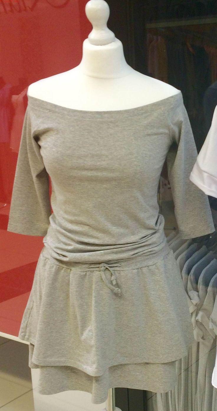 Bawełniana sukienka z falbankam