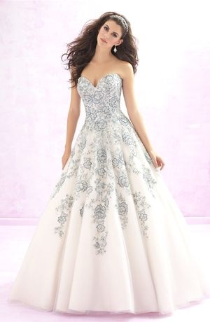 Sweetheart Princess/Ball Gown Wedding Dress  with Natural Waist in Lace. Bridal Gown Style Number:33089459