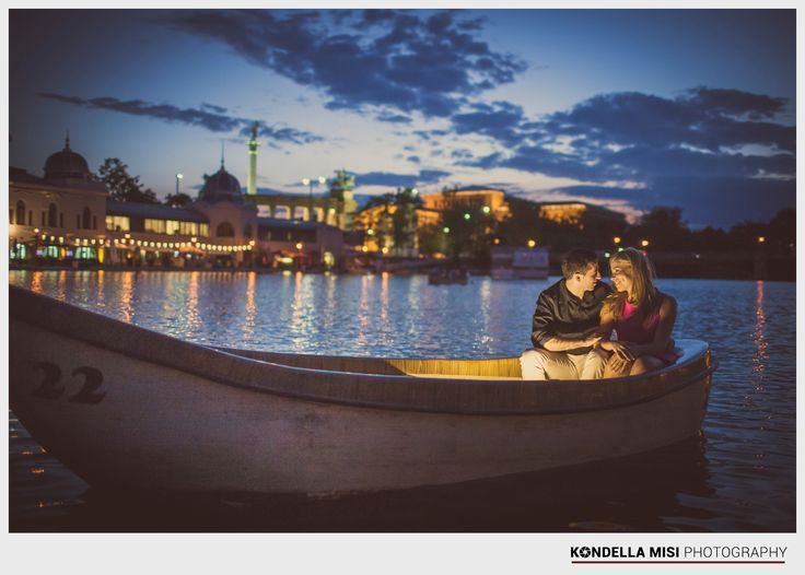 Budapest e-session #engagement #photoshoot #night #Hungary #boat