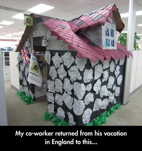 Office prank on vacationing coworker.