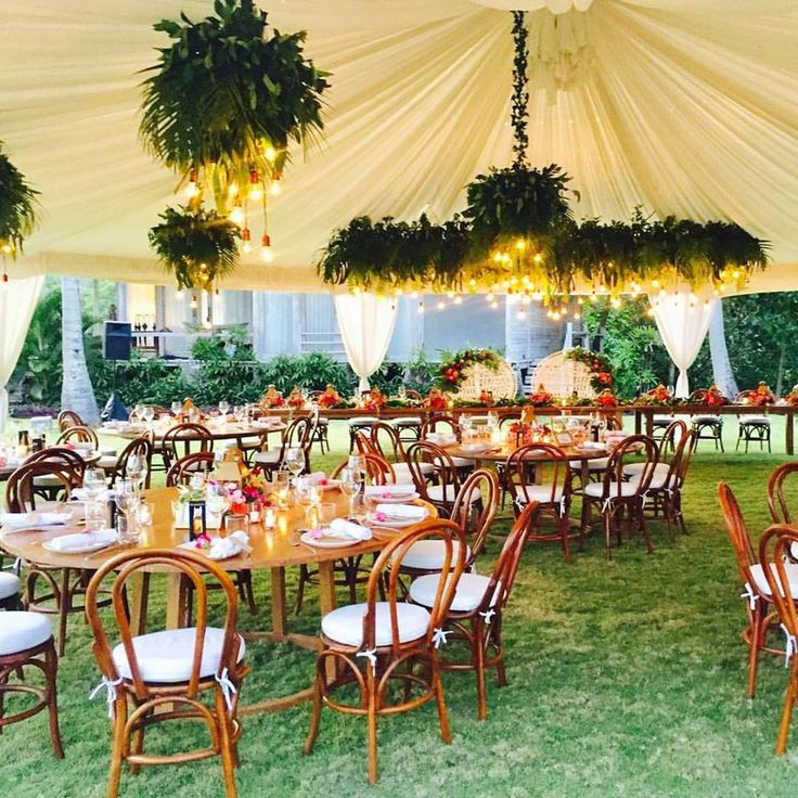 99 best tablescapes images on pinterest tropical weddings bare tabletops lush hanging lights minamalistic tropical theme table ideas wedding junglespirit Gallery