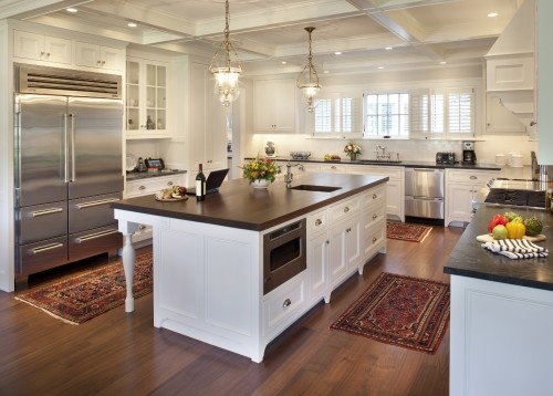 Love this kitchen!Ideas, Dreams Kitchens, Kitchens Design, Wood, Traditional Kitchens, Islands, White Cabinets, Kitchen Designs, White Kitchens