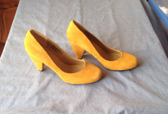 Vintage Mustard Yellow Pumps Size 9 on Etsy, $15.00