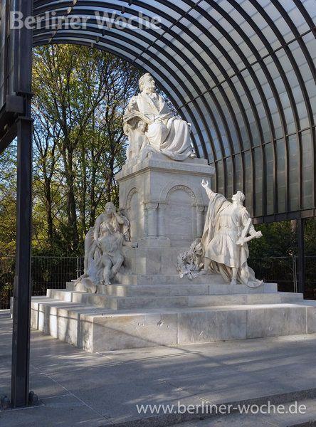 Hinter den Restauratoren liegt eine Mammutarbeit: Das Richard-Wagner-Denkmal erstrahlt in neuem Glanz.