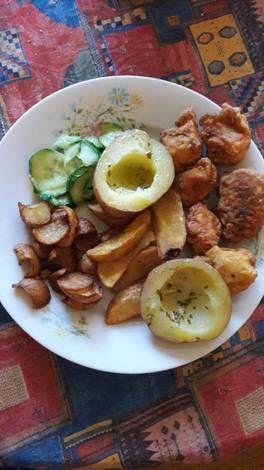 Kentucky csirkegolyók füszervajjal sült burgonyával