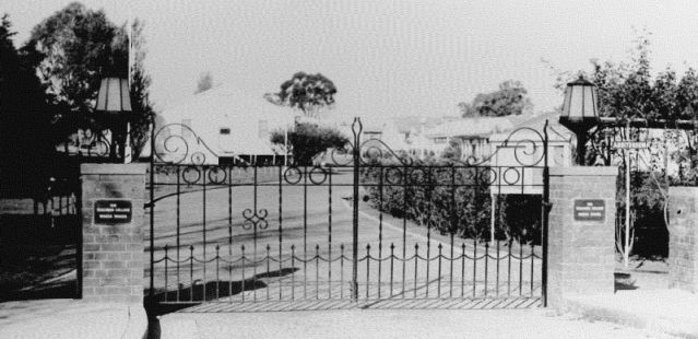 I attended Wagga Wagga Teachers College from 1971 to 1972