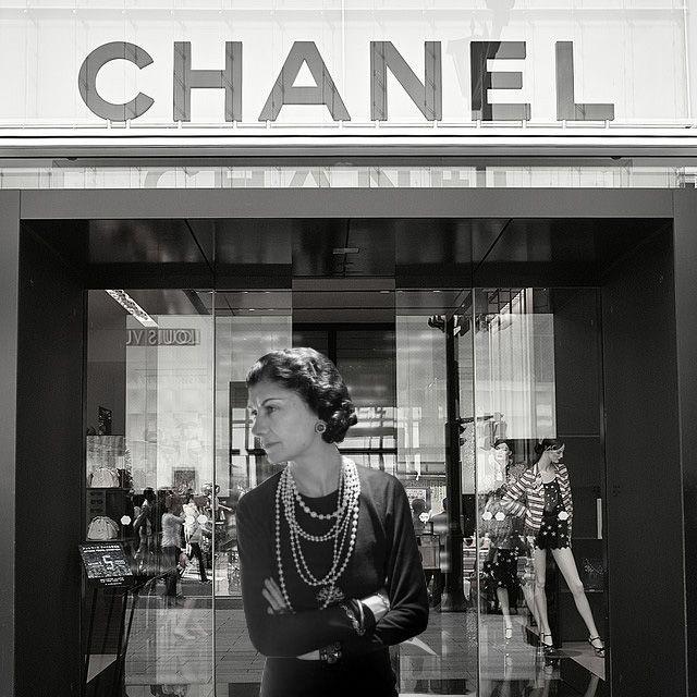 Coco Chanel Outside Her Shop Coco Chanel Fashion Coco Chanel Chanel