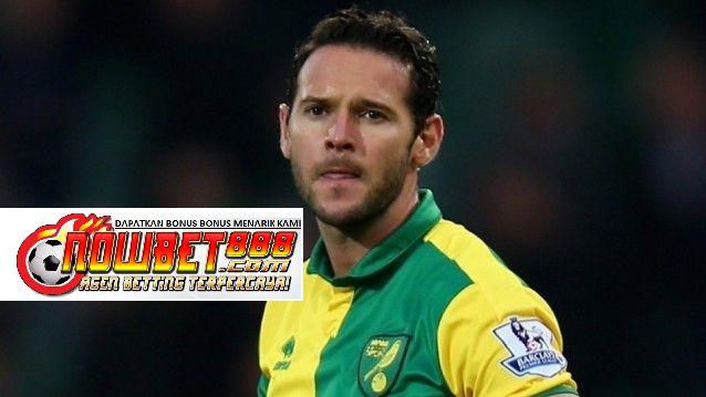 Norwich City akan terlihat untuk melanjutkan perjuangan mereka melawan dengan hasil positif melawan sesama pesaing degradasi Aston Villa pada hari Senin.