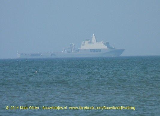 """De Karel Doorman varend langs de kust thv Callantsoog, donderdag 18 september 2014, Leuk om dit schip op de foto te hebben!  Ik zag dit schip en ik dacht """"wat is dat een groot schip"""" ! Niet realiserende dat dit De Karel Doorman is, later thuis bij de foto's bekijken herkende ik hem! Foto genomen met 18 x optische zoom met camera op statief!"""