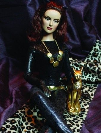 About Catwoman: My 60s TV inspired Daphne as catwoman  (Flutterwing Dolls by Shannon Craven www.flutterwing.com)