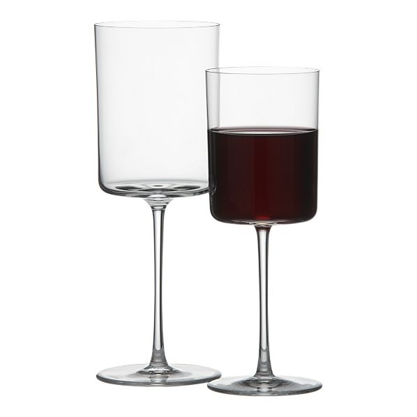 Charlotte had a similar set of square wine glasses in S&TC. Love the vintage feel.