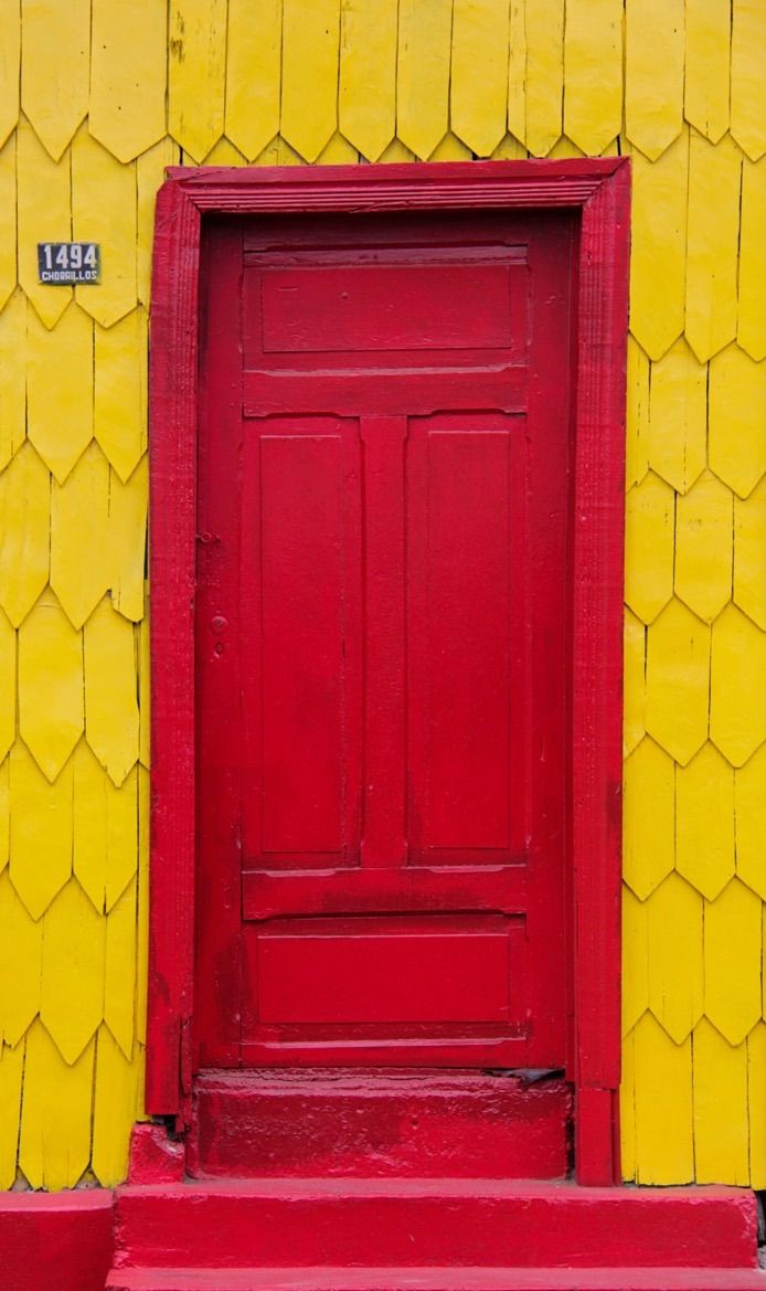 Puerto Montt, Llanquihue, Chile........I BET THIS DOOR WOULD LOOK EQUALLY AS STUNNING IF IT WERE PAINTED...... R E D  ..........             ccp   ..rh