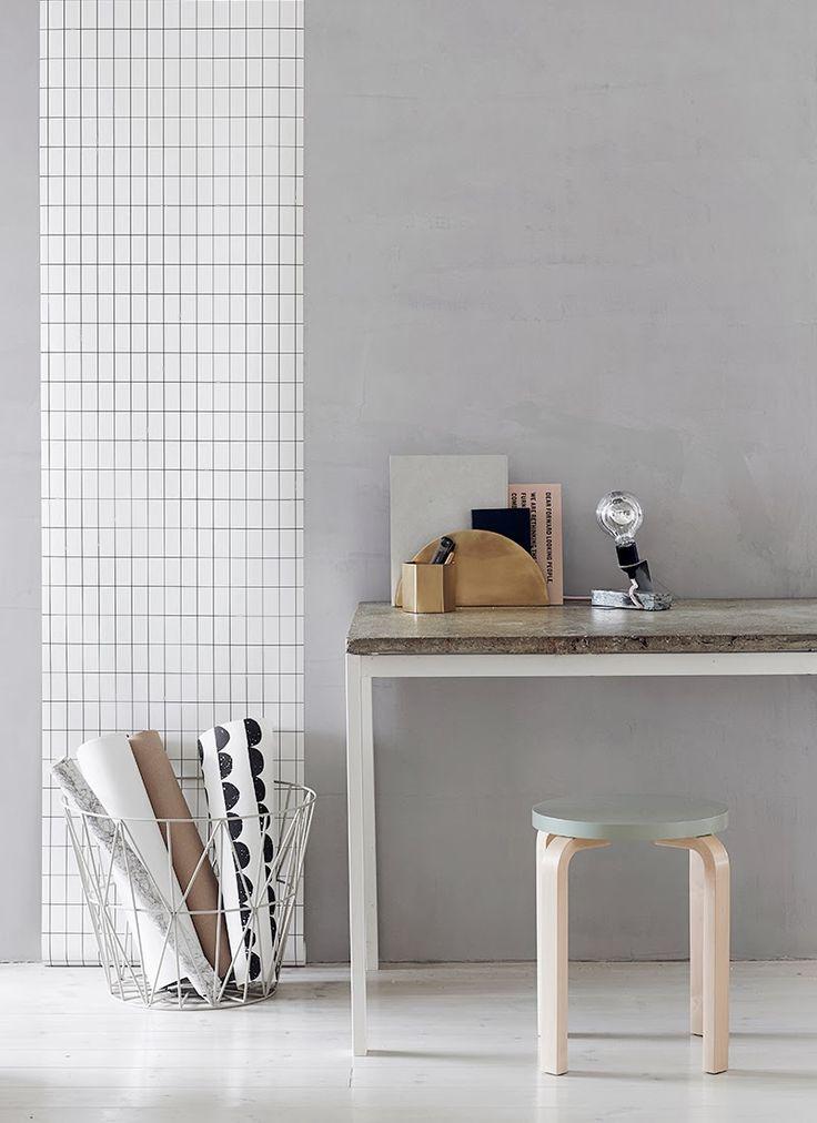 Concrete table!!! Drools*  http://www.diypete.com/how-to-build-a-concrete-table/
