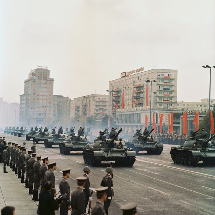 Militärparade, Karl-Marx-Allee, Berlin