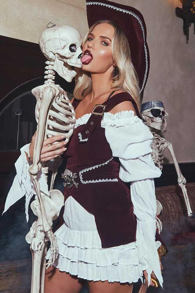 Most Creative Halloween Costumes 2020 39 Fun Halloween Costume Ideas 2020 | Cool halloween costumes