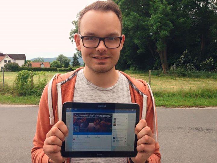 Momentan passiert eine Menge! Morgen gibt es in der Neue Deister-Zeitung (Springe bei Hannover) einen neuen Bericht über DorfstattStadt.  Seit dem letzten Bericht vor knapp 9 Monaten ist eine Menge passiert. Ich bin sehr gespannt!  Außerdem werdet ihr morgen früh wenn das Bild mit dem Spruch gepostet wird eine Veränderung feststellen - ich hoffe es gefällt euch  / Tim - http://ift.tt/1ro5wxQ - #dorfkindmoment #dorfstattstadt