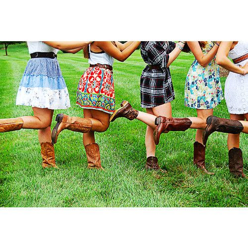 this makes me smile :)Cowgirl Boots, Cowboy Boots, Friends, Girls Generation, Country Girls, Southern Girls, Bridesmaid, Sundresses, Cowgirls Boots