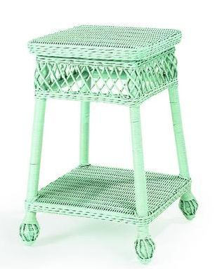 cute, cute, cute wicker table