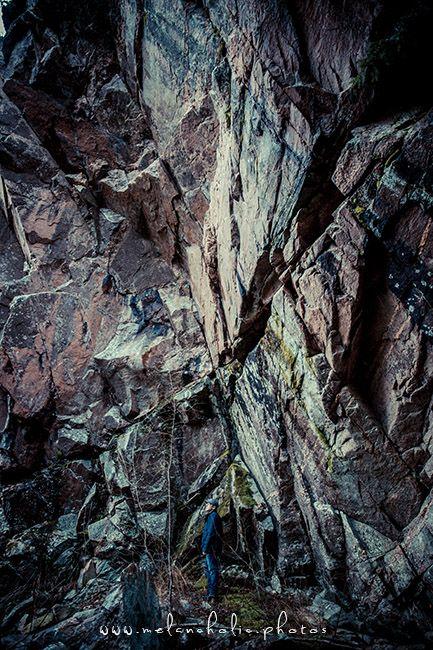 Haukkamäen luolat löytyvät Salosta  http://www.naejakoe.fi/luontojaulkoilu/haukkamaen-luolat/
