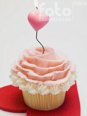Fotochannels - birthday cupcake