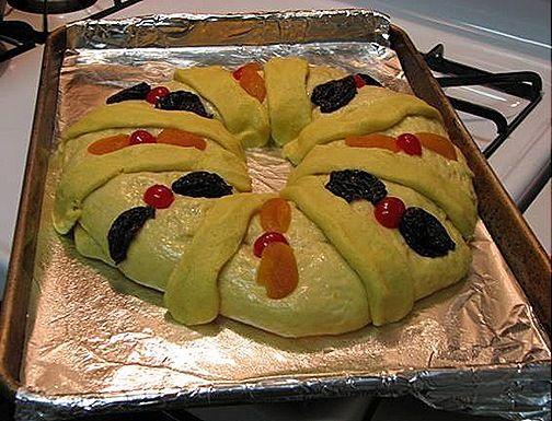 Rosca de reyes mexicana. Ver la receta http://www.mis-recetas.org/recetas/show/25105-rosca-de-reyes-mexicana