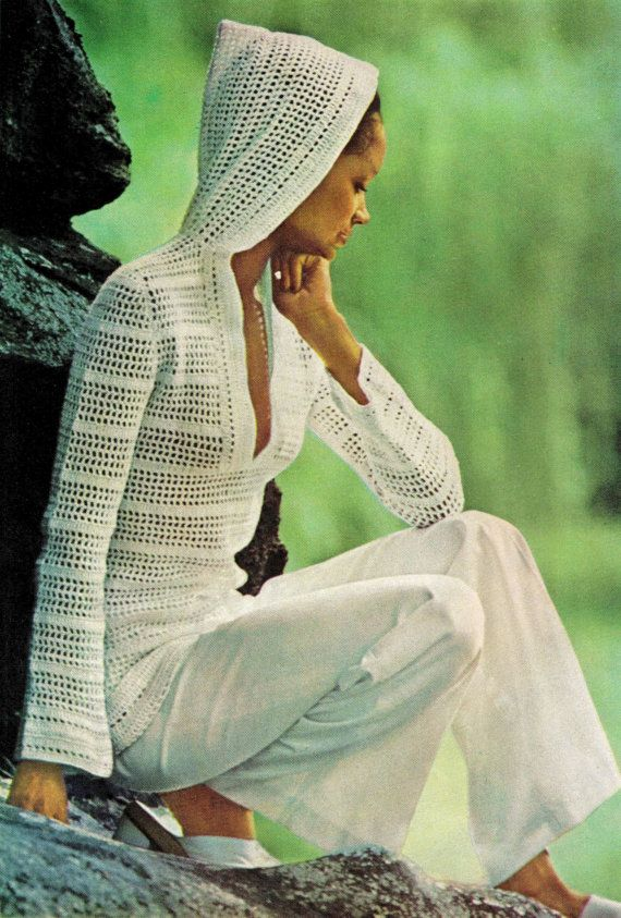 Vintage 70s Crochet HOODED Pullover - FILET Crochet Stitch