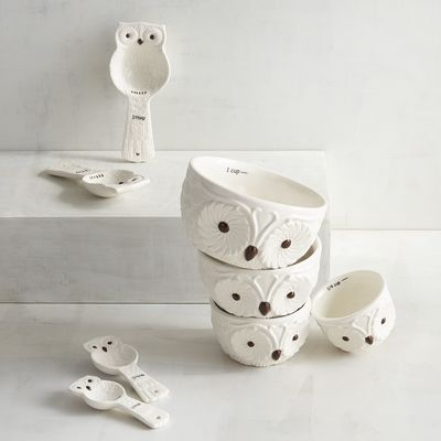 Snow Owl Measuring Cups & Spoons