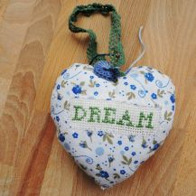 Dream with flowers design cross stitch hanging heart - DolceDecor home decoration