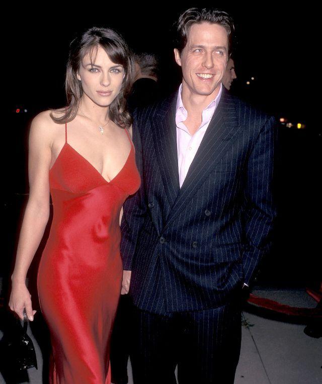 Pin By V Angel On Hugh Grant In 2020 Elizabeth Hurley Elizabeth Hurley Hugh Grant Versace Black Dress