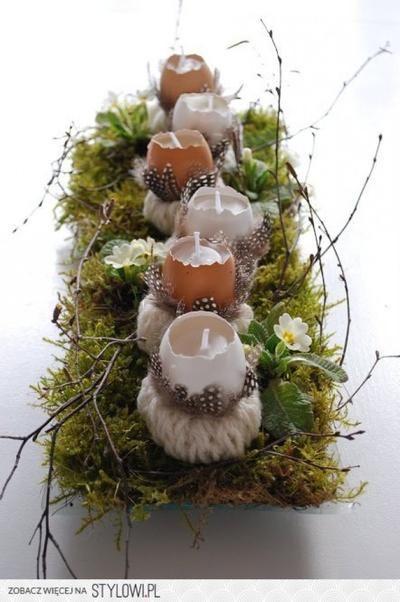 Langwerpige schaal met eieren.