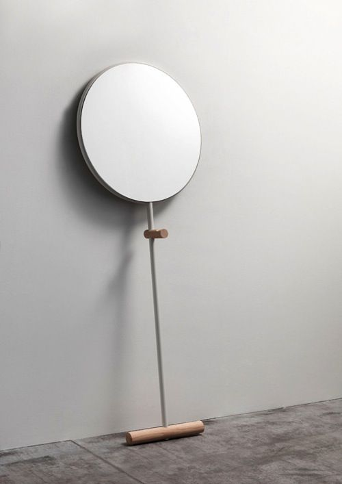 Giulietta is a minimalist design created by Italy-based designer Luis Arrivillaga. Giulietta is a floor standing mirror in a simple and effe...