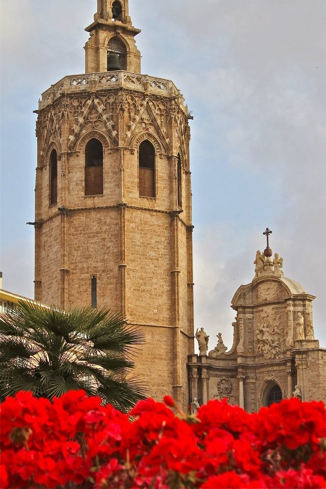 El Miguelete - Valencia cathedral's belfry tower, a Muslim minaret turned Christian by adding the belfry on top.