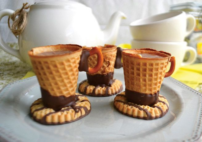 Cup n Saucer Treats from the Evermine blog #cookies #treats #recipe