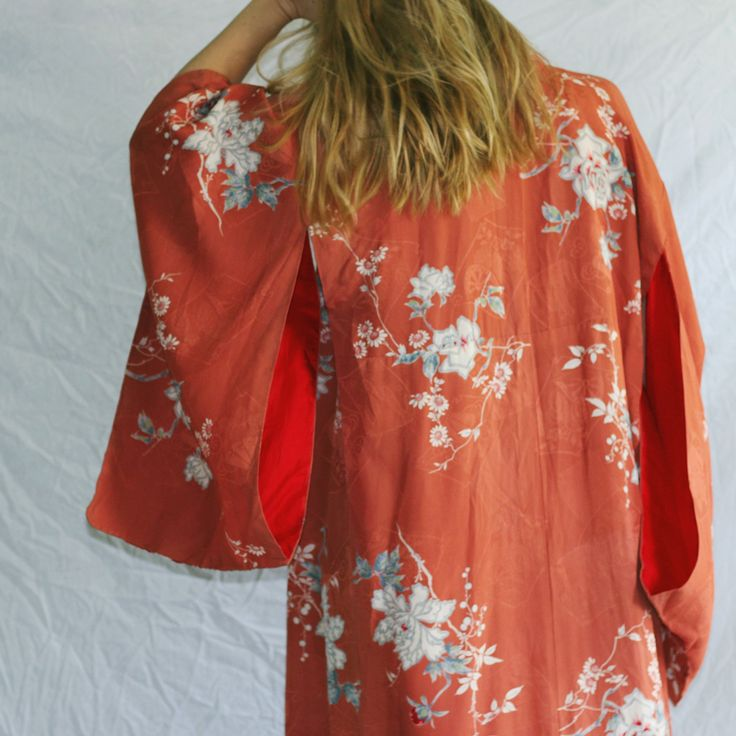 """incredible vintage full silk kimono / peach exterior with floral pattern / fully lined with red silk / few marks of pre-loved wear-- not visible when worn / open fit, shown on 6'0"""" model, size 8 / $124 plus shipping"""