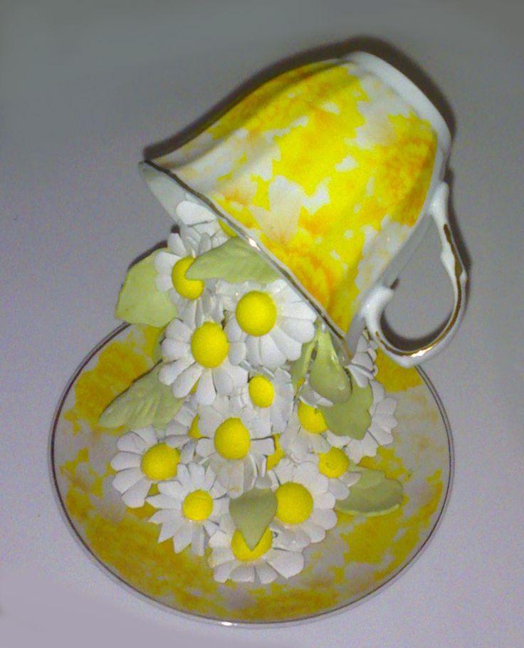 fiori in fommy con tazza sospesa