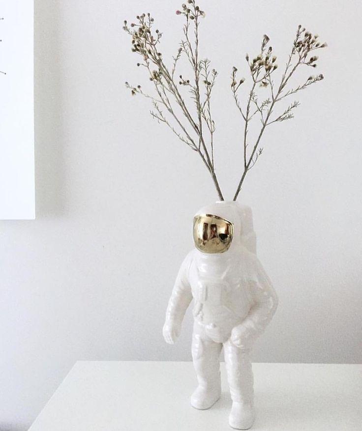 Porcelain Astronaut Vase…